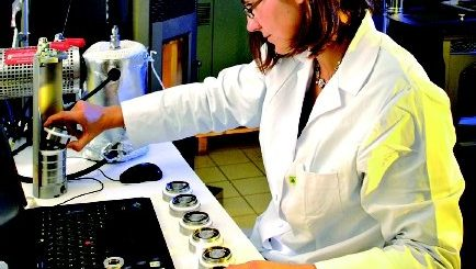 Banc de caractérisation au laboratoire Ceric