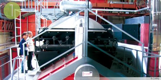 Une chaudière à bois Compte R. pour l'usine Michelin de Saint-Doulchard