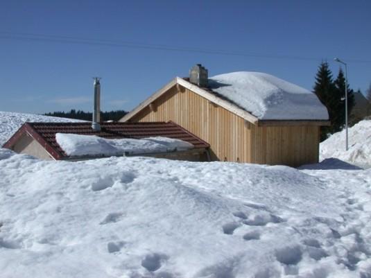 Bioénergie sous la neige et bonne année 2012 ! MAGAZINE ET PORTAIL FRANCOPHONE DES BIOÉNERGIES # La Chapelle Des Bois Jura