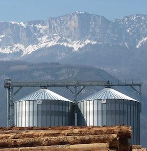 Les silos à granulés, construction Privé, photo Frédéric Douard