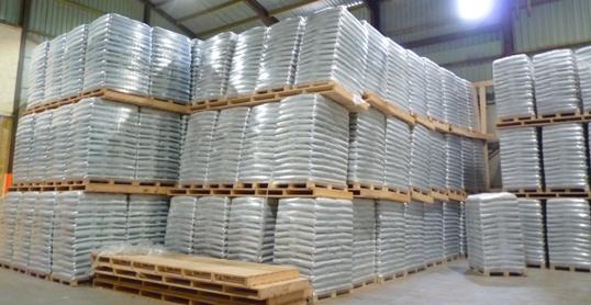 L unit de granulation de bois de mariembourg en wallonie magazine et porta - Stockage granules bois ...