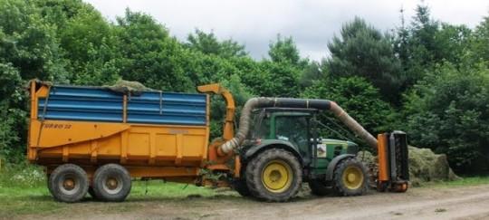 Equipement de récolte de l'herbe, photo CG22 et Aile