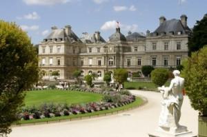 Façade-Sud-côté-Jardin-du-Luxembourg-Photo-Sénat