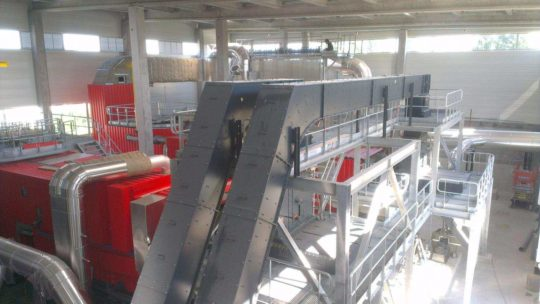 Les deux chaudières Vyncke en cours d'installation à Mantes-la-Jolie, 2 x 8 MW, photo Vyncke