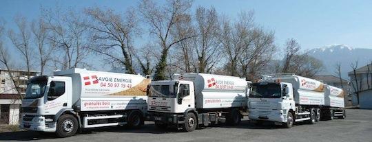 Flotte de camions souffleurs de granulés Transmanut de Savoie Energie