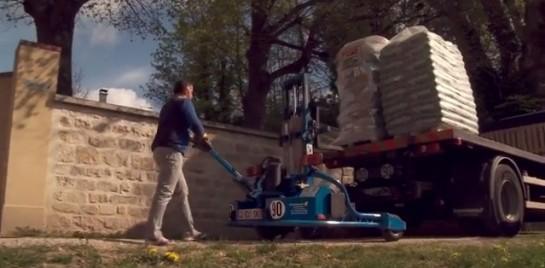 Livrer le bois-énergie encore plus facilement avec le chariot électrique