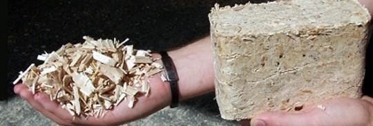 Briquette de bois Baudelet Autrement-Bois réalisée sur une presse RUF, photo Baudelet