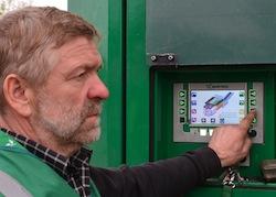 Commande sur l'écran tactile du Crambo, photo Frédéric Douard