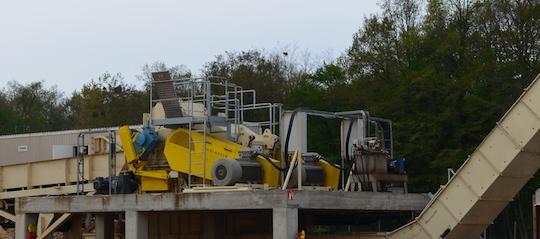 Le broyeur Saalasti de Biosyl peut réduire plus de 200 000 tonnes de bois par an, photo Frédéric Douard