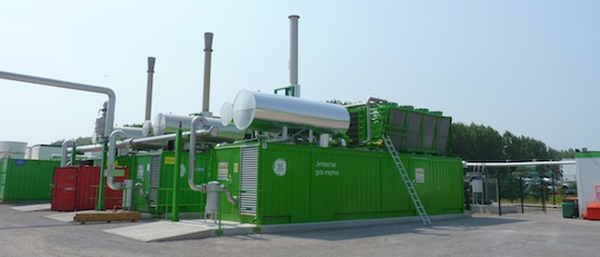 Les 3 moteurs de cogénération Jenbacher de Baudelet Environnement, photo Frédéric Douard