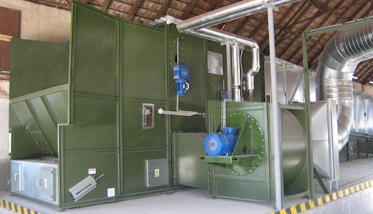 Séchoir en continue alimenté par la chaleur d'une cogénération biogaz en République Tchèque, photo Alvan Blanch