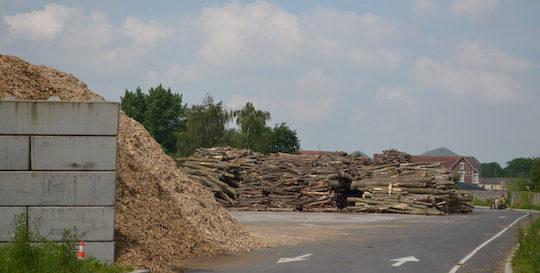 Le parc à bois de la centrale de Lens, photo Frédéric Douard