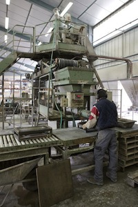 Poste de production des poêles à bois Hiemstra à Prades dans le Tarn