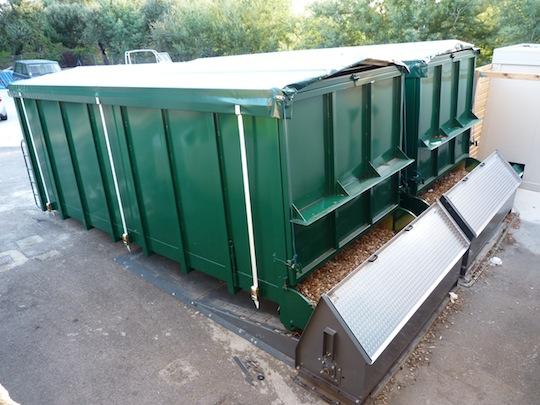 Les deux silos -conteneurs de Corse Bpois Energie, photo Frédéric Douard