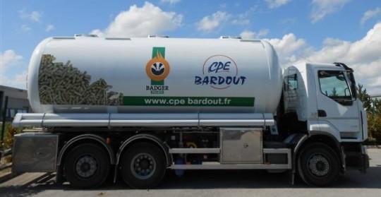 Camion souffleur de granulés Magyar, photo CPE Bardout