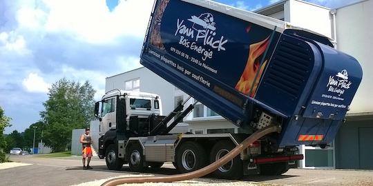 Camion souffleur Transmanut de Yann Flück dans le canton suisse du Jura, photo YF