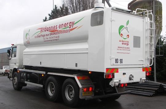Citerne à granulés Transmanut des Ets Ardennes Energy dans les Ardennes françaises