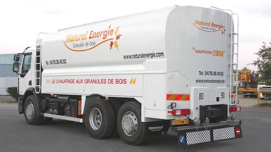 Citerne à granulés Transmanut des Ets Natural Energie dans la Drôme