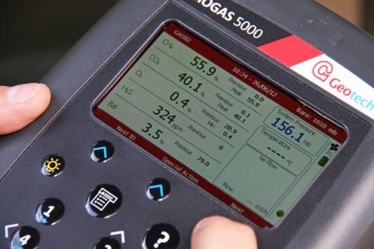 Ecran de l'analyseur portable Biogas-5000 de Geotech