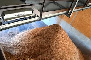 L'une des cellules de stockage alimentée par le convoyeur à chaines TBM VECOPLAN, photo Frédéric Douard
