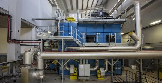 La chaudière à huile thermique Polytechnik chez L'Oréal Burgos
