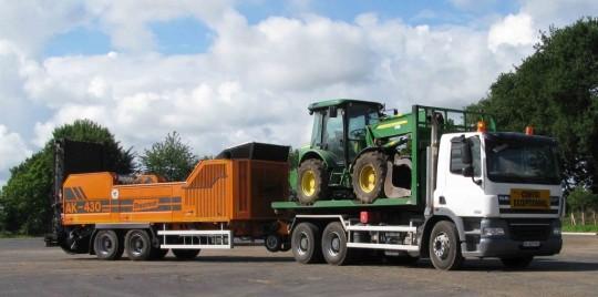 Transport du broyeur de déchets verts Doppstadt AK-430, photo ABE