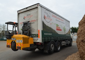 Chariot embarqué Transmanut de 2,5 t de capacité pour la livraison des particuliers, photo Frédéric Douard