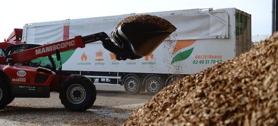 Chargement d'une camion BEMA