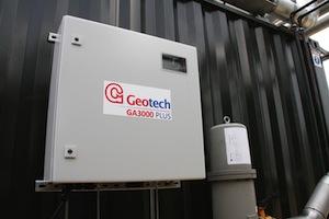 Le boitier de l'analyseur GA3000 Plus sur site, photo Geotech