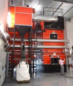 La chaudière Justsen de 4 MW chez EADS Les Mureaux, photo Connexe