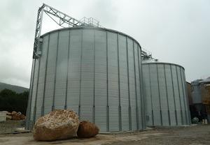 Les deux silos à granulés Phénix-Rousies de 1500 tonnes chacun, photo BGA