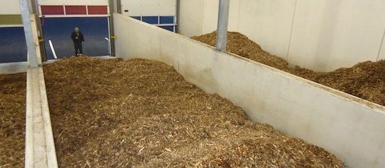 Vue des cellules de stockage à plat du bois chez EADS, photo Connexe