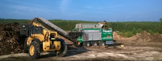 Broyeur de bois Crambo Komptech en location, photo Smet Location