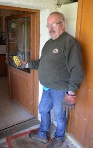 La télécommande permet de piloter la livraison tout en surveillant le silo dans la chaufferie, photo Frédéric Douard