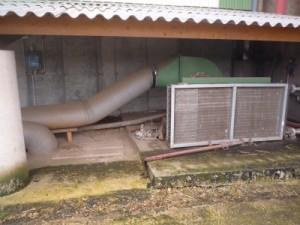 L'échangeur de chaleur avant injection de l'air sous les sécheurs au GAEC du Boscor