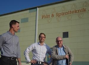 atrik Nilsson, directeur PST, Michael Fridolfsson, responsable export PST et Ludovic Dusch de Biomasse France à Torsås, photo Frédéric Douard