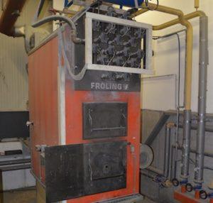 Une chaudière Fröling de 500 kW chauffe l'usine Eschlböck depuis 15 ans, photo Frédéric Douard