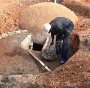 Construction d'un digesteur familial au Mali, photo Goodplane
