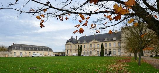 Deux des bâtiments de l'abbaye d'Ourscamp, photo Frédéric Douard