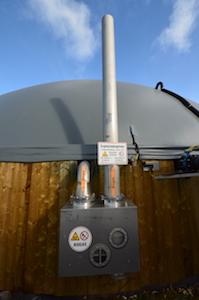 Régulateur de pression Biogaskontor sur le digesteur de Métha Ternois, photo Frédéric Douard
