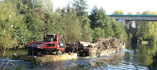 Chantier de débardage de bois-énergie sur une voie d'eau, photo Laurent Debarge, Easy Bois
