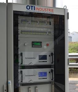 Baie d'analyse des gaz en continu OTI Industrie, photo Frédéric Douard