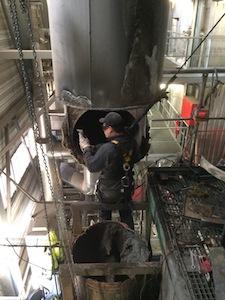 Intervention de Joly & Philippe sur le conduit de fumée de la centrale de cogénération d'AEB photo AEB