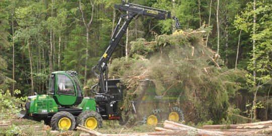 Porteur de branches de bois-énergie, photo Skogforsk