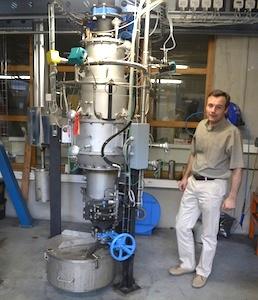 Etienne Lebas, dans le laboratoire de recherche Provademse à l'INSA de Lyon, photo Frédéric Douard