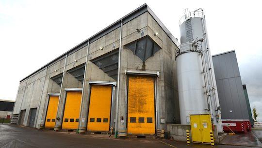 Le bâtiment de stockage du combustible de la centrale Kiowatt, photo Frédéric Douard