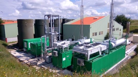 Les deux modules de cogénération fonctionnant au biogaz à Malleville-sur-le-Bec, photo Gaséo
