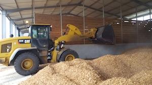 Remplissage de la travée de séchage, photo France Biomasse