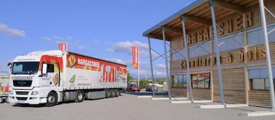 Camion de livraison de chaudières chez Hargassner-France, photo Hargassner France
