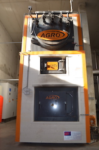 La chaudière Agroforst de 600 kW absorbe tous les déchets de bois de l'entreprise, photo Frédéric Douard